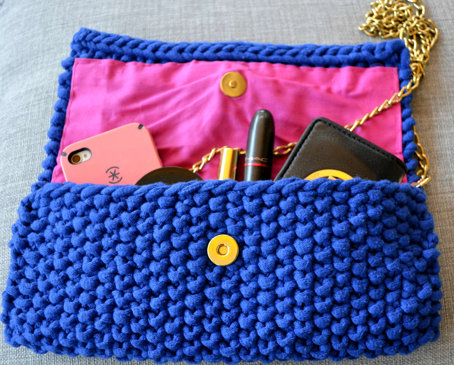 Blue love clutch open