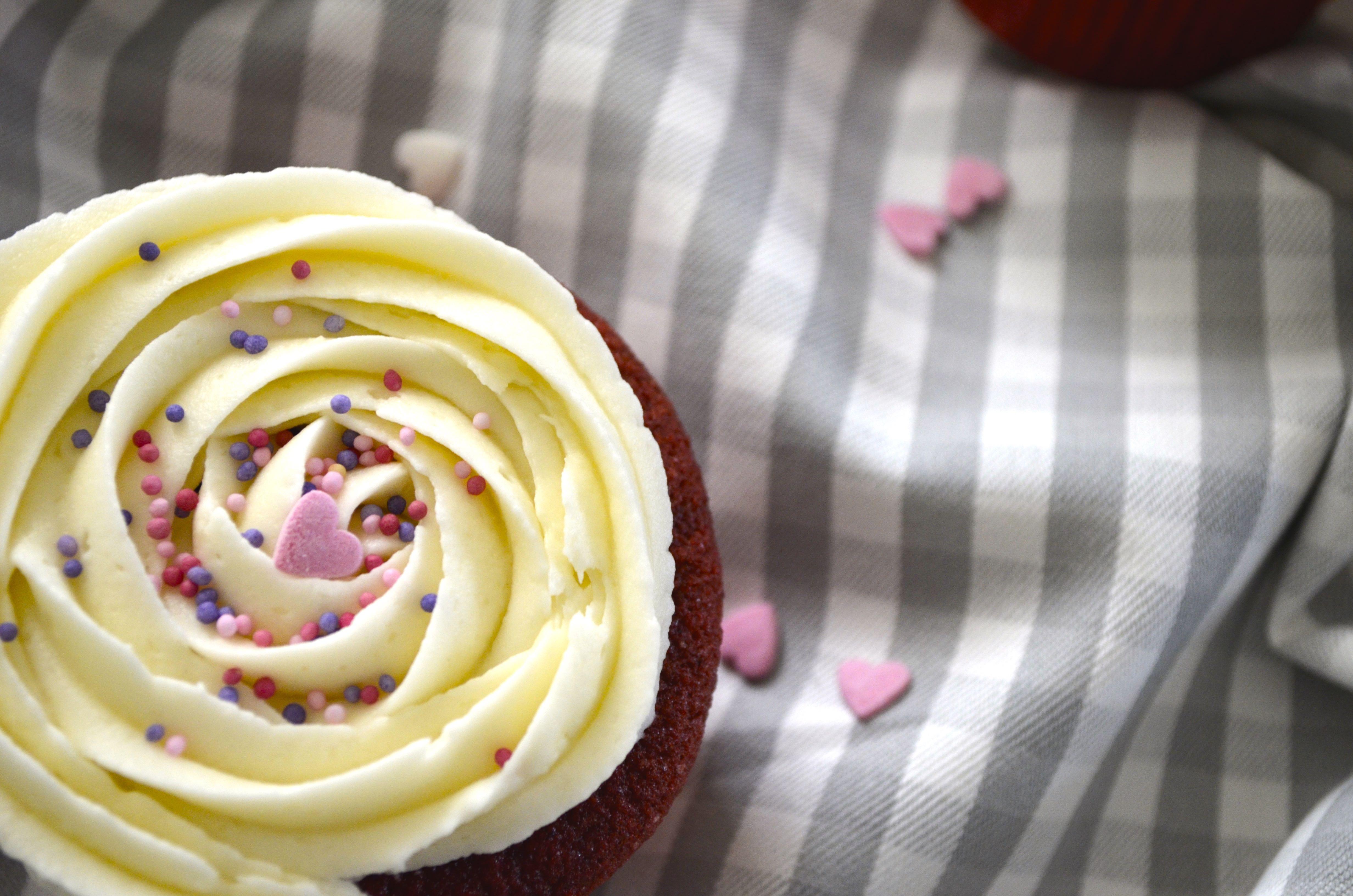 Red Velvet Cupcakes 5