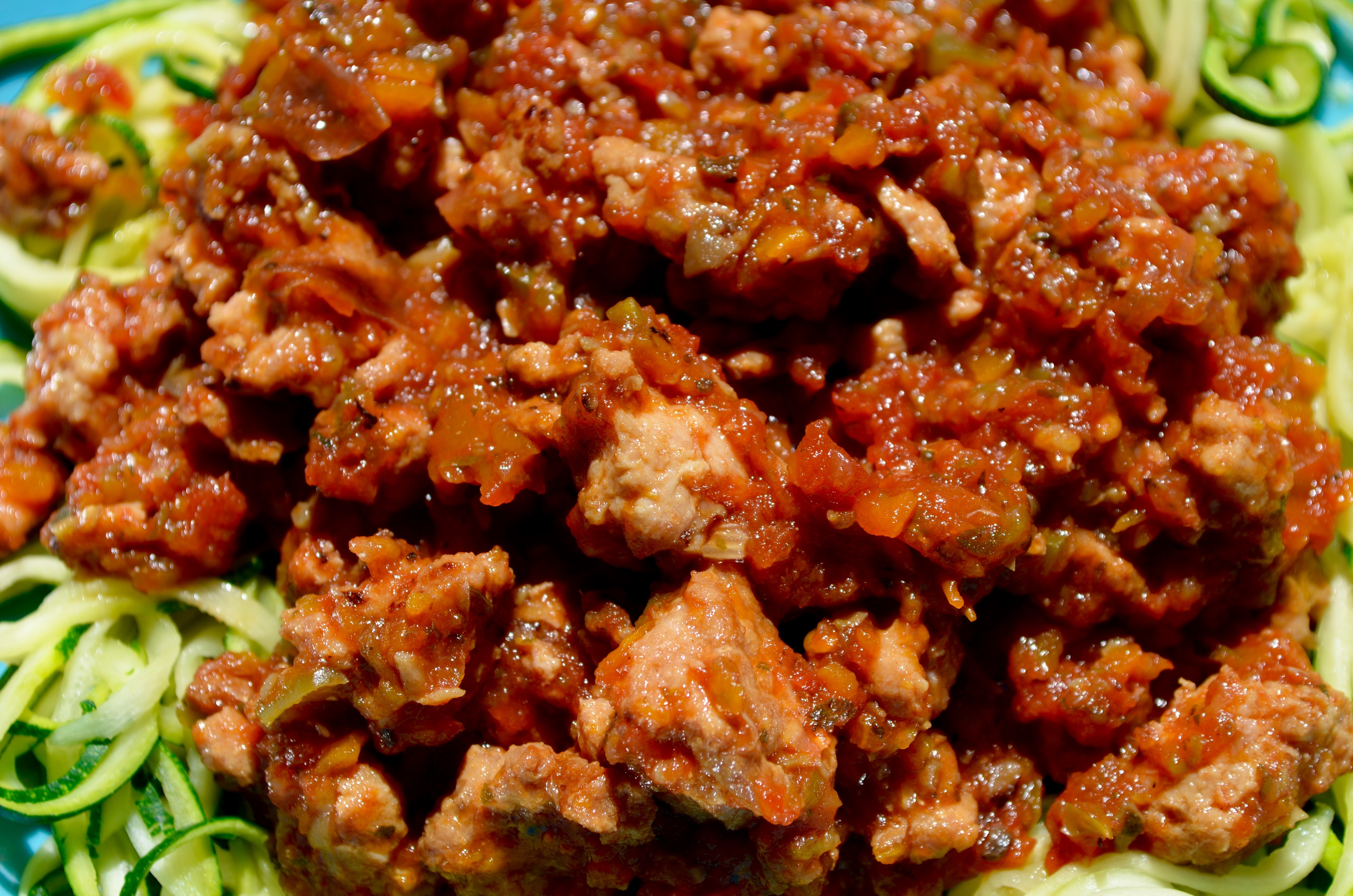 Slow cooker turkey bolognese sauce at laughlovekiss.com